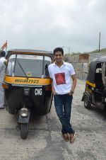 Amey Wagh at Shutter film promotions with rickshaw drivers in Filmcity, Mumbai on 27th June 2015 (36)_5591763058b40.JPG
