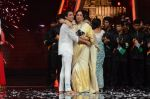 Kiron Kher at IGT grand finale in Filmcity, Mumbai on 27th June 2015 (72)_5591777975d24.JPG