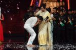 Kiron Kher at IGT grand finale in Filmcity, Mumbai on 27th June 2015 (75)_5591777b99dd9.JPG