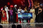Kiron Kher, Karan Johar, Malaika Arora Khan at IGT grand finale in Filmcity, Mumbai on 27th June 2015 (105)_559177bed34b4.JPG