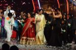 Kiron Kher, Karan Johar, Malaika Arora Khan at IGT grand finale in Filmcity, Mumbai on 27th June 2015 (108)_559177bf9d7a1.JPG