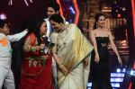Kiron Kher, Karan Johar, Malaika Arora Khan at IGT grand finale in Filmcity, Mumbai on 27th June 2015 (112)_55917789a54c2.JPG