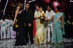 Kiron Kher, Karan Johar, Malaika Arora Khan at IGT grand finale in Filmcity, Mumbai on 27th June 2015 (115)_55917731c3bcf.JPG