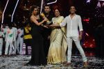 Kiron Kher, Karan Johar, Malaika Arora Khan at IGT grand finale in Filmcity, Mumbai on 27th June 2015 (119)_5591778e7451b.JPG