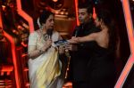 Kiron Kher, Karan Johar, Malaika Arora Khan at IGT grand finale in Filmcity, Mumbai on 27th June 2015 (56)_559177813d561.JPG