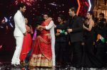 Kiron Kher, Karan Johar, Malaika Arora Khan at IGT grand finale in Filmcity, Mumbai on 27th June 2015 (70)_55917783f0e11.JPG