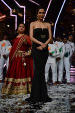 Malaika Arora Khan at IGT grand finale in Filmcity, Mumbai on 27th June 2015 (99)_559177d0e6d22.JPG