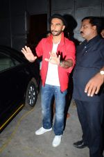 Ranveer Singh snapped post Bajirao Mastani shoot in Filmcity, Mumbai on 27th June 2015 (6)_559176a7aef49.JPG