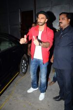 Ranveer Singh snapped post Bajirao Mastani shoot in Filmcity, Mumbai on 27th June 2015 (7)_559176a8711c0.JPG