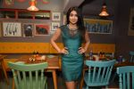 Shriya Saran at Fatty Bow restaurant launch in Bandra, Mumbai on 27th June 2015 (54)_55917898cb630.JPG