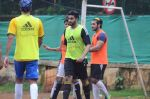 Abhishek Bachchan snapped at all star football practice session in Bandra, Mumbai on 28th June 2015 (94)_55922e564e5c5.JPG