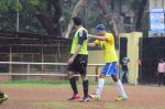 Abhishek Bachchan, Ranbir Kapoor snapped at all star football practice session in Bandra, Mumbai on 28th June 2015 (62)_55922e466600f.JPG