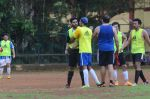 Abhishek Bachchan, Ranbir Kapoor snapped at all star football practice session in Bandra, Mumbai on 28th June 2015 (63)_55922e6c1a748.JPG