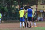 Abhishek Bachchan, Ranbir Kapoor snapped at all star football practice session in Bandra, Mumbai on 28th June 2015 (64)_55922e472ab46.JPG