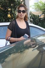 Laxmirai snapped at airport in Mumbai on 29th June 2015 (24)_55923c7d9e8a0.JPG
