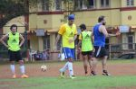 Ranbir Kapoor  snapped at all star football practice session in Bandra, Mumbai on 28th June 2015 (93)_55922e6ea1dfb.JPG