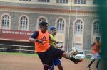 Ranbir Kapoor snapped at all star football practice session in Bandra, Mumbai on 28th June 2015 (28)_55922e7c093f9.JPG