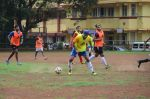 Ranbir Kapoor snapped at all star football practice session in Bandra, Mumbai on 28th June 2015 (33)_55922e7fbbdc5.JPG