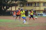 Ranbir Kapoor snapped at all star football practice session in Bandra, Mumbai on 28th June 2015 (36)_55922e8199602.JPG