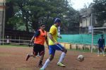 Ranbir Kapoor snapped at all star football practice session in Bandra, Mumbai on 28th June 2015 (38)_55922e83128a2.JPG