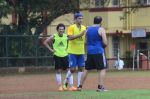 Ranbir Kapoor snapped at all star football practice session in Bandra, Mumbai on 28th June 2015 (40)_55922e844ce4d.JPG