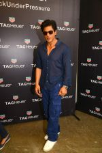 Shah Rukh Khan launches Tag Heuer_s Don_t Crack Under Pressure initiative in Mumbai on 29th June 2015 (3)_55923b985c717.JPG