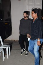 Shahid Kapoor snapped at mehboob on 29th June 2015 (1)_55923b77a6bf4.JPG