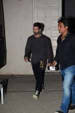 Shahid Kapoor snapped at mehboob on 29th June 2015 (6)_55923b7bddaa1.JPG