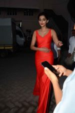 Sonam Kapoor snapped at mehboob studios on 28th June 2015 (31)_559230f71dfd3.JPG