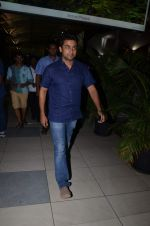 Surya snapped at airport in Mumbai on 29th June 2015 (4)_55923cb2dbe4b.JPG