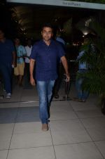 Surya snapped at airport in Mumbai on 29th June 2015 (5)_55923cb446cd7.JPG