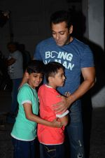 salman Khan snapped at mehboob studios on 28th June 2015 (27)_559230c94eaf0.JPG
