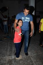salman Khan snapped at mehboob studios on 28th June 2015 (30)_559230cb78bcc.JPG