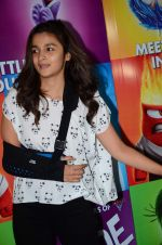 Alia Bhatt at Inside Outside screening at lightbox on 30th June 2015 (28)_5593afd3da983.JPG