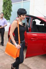 Mandira Bedi at streetsmart street safe campaign launch by top gear magazine and mumbai police on  30th June 2015 (27)_5593af4da4d6f.JPG