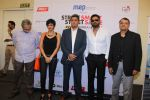 Mandira Bedi, Sunil Shetty at streetsmart street safe campaign launch by top gear magazine and mumbai police on  30th June 2015 (33)_5593af80b0799.JPG