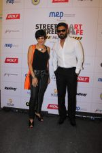 Mandira Bedi, Sunil Shetty at streetsmart street safe campaign launch by top gear magazine and mumbai police on  30th June 2015 (37)_5593af826bf0c.JPG