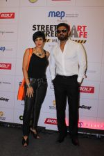 Mandira Bedi, Sunil Shetty at streetsmart street safe campaign launch by top gear magazine and mumbai police on  30th June 2015 (39)_5593af83569f2.JPG