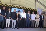 Mandira Bedi, Sunil Shetty at streetsmart street safe campaign launch by top gear magazine and mumbai police on  30th June 2015 (41)_5593af8447f0c.JPG