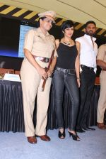 Mandira Bedi, Sunil Shetty at streetsmart street safe campaign launch by top gear magazine and mumbai police on  30th June 2015 (45)_5593af8665b99.JPG