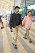 Riteish Deshmukh leave for Great Grand masti shoot in Gujarat on 30th June 2015 (43)_5593c7c1cee4f.JPG