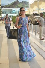 Urvashi Rautela leave for Great Grand masti shoot in Gujarat on 30th June 2015 (39)_5593c7f14ed33.JPG