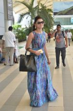 Urvashi Rautela leave for Great Grand masti shoot in Gujarat on 30th June 2015 (41)_5593c7f2df818.JPG