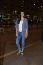 Kriti Sanon with Dilwale team return from Bulgaria in Mumbai Airport on 1st July 2015