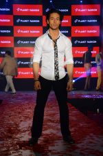 Tiger Shroff at Planet Fashion show in Taj Lands End on 1st July 2015 (77)_559500439cb48.JPG