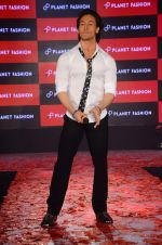 Tiger Shroff at Planet Fashion show in Taj Lands End on 1st July 2015 (80)_559500457b081.JPG