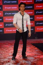 Tiger Shroff at Planet Fashion show in Taj Lands End on 1st July 2015 (81)_559500461a70d.JPG