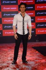 Tiger Shroff at Planet Fashion show in Taj Lands End on 1st July 2015 (82)_5595004716528.JPG