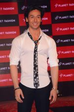 Tiger Shroff at Planet Fashion show in Taj Lands End on 1st July 2015 (85)_55950048ddb0d.JPG