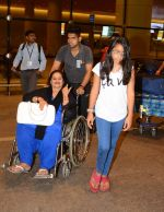 Ajay Devgan and Kajol return from London along with mom and kids on 2nd july 2015 (3)_5596317b89159.JPG